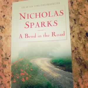 Other - 📚 Nicholas Sparks Book - A Bend in the Road
